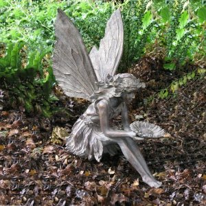sitting-fairy-bronze-01-600