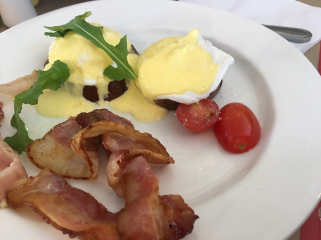 clay cafe eggs benedict.JPG