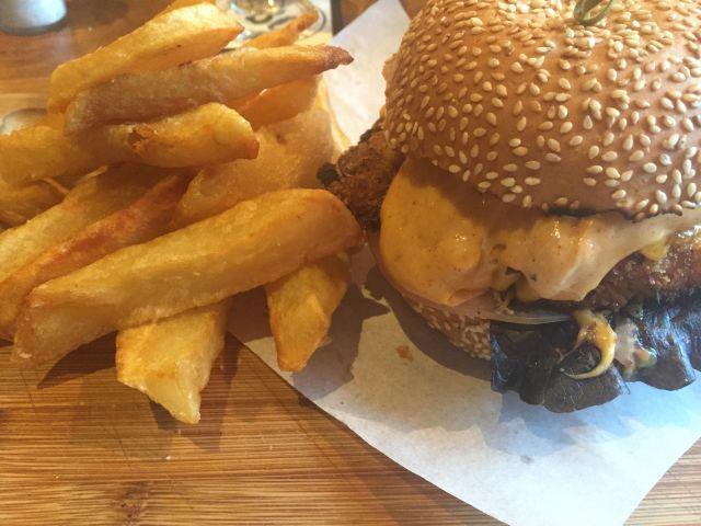 woodies burger.jpg